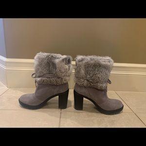 Micheal korr grey booties